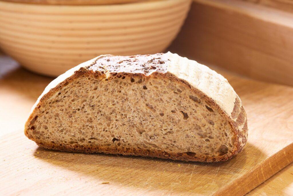Stück ca.450g Mildes Weizenmischbrot aus 50% Weizen und 50% Dinkelvollkorn